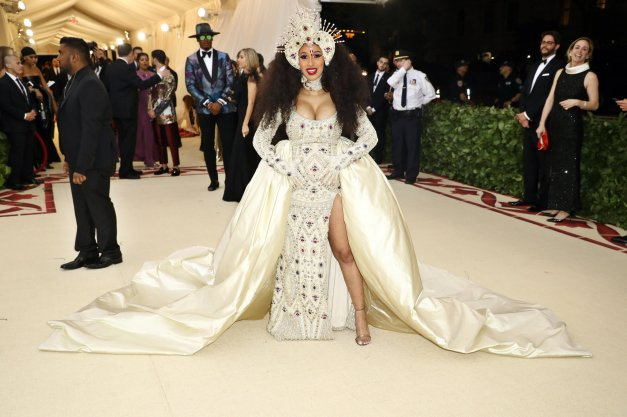 red-carpet-met-gala-4671-cardi-b-superJumbo-v2